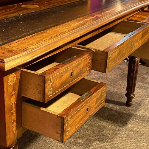 Good Quality William IV Inlaid Mahogany Desk image-5