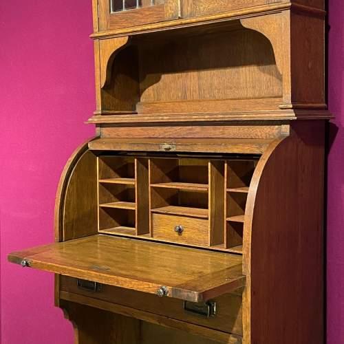 Arts and Crafts Oak Bureau Cabinet image-2