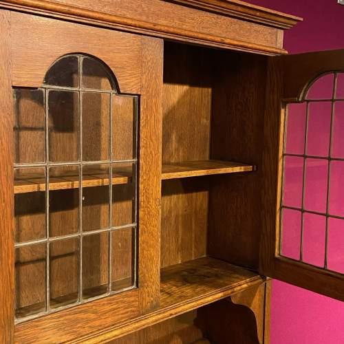 Arts and Crafts Oak Bureau Cabinet image-5