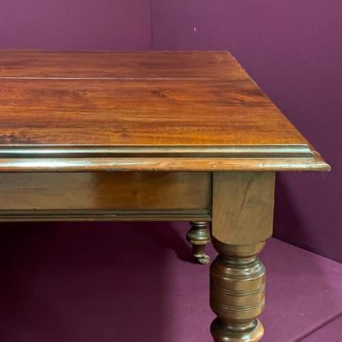 Late Victorian Small Mahogany Dining Table image-4