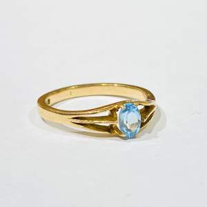 9ct Gold Topaz Ring
