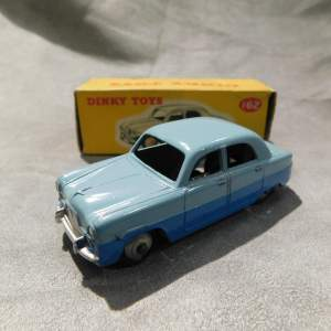 Dinky Toys 162 Ford Zephyr in Original Box issued 1962