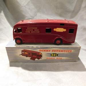 Dinky Toys 981 Horse Box issued 1955 Maroon Boxed