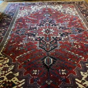 Superb Old Hand Knotted Persian Rug Heriz Traditional Design