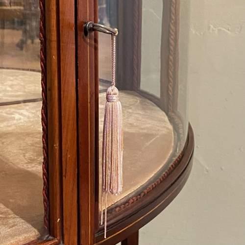 19th Century Inlaid Mahogany Corner Bijouterie Cabinet image-6