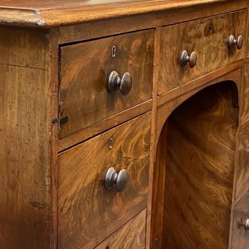 Victorian Figured Mahogany Kneehole Desk image-6