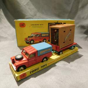 Corgi Toys GS19 Chipperfields Land Rover with Elephant - Boxed