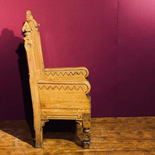 Gothic Revival Oak Kings Chair image-3