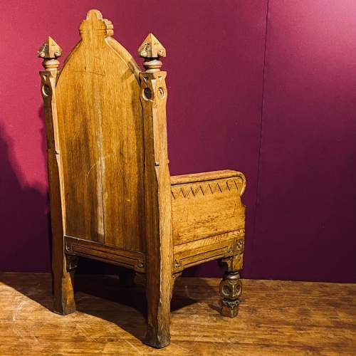 Gothic Revival Oak Kings Chair image-5