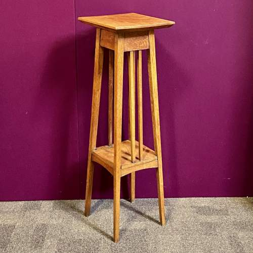Arts and Crafts Early 20th Century Golden Oak Plant Stand image-1