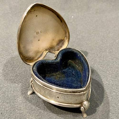 Early 20th Century Heart Shaped Silver Trinket Box image-2