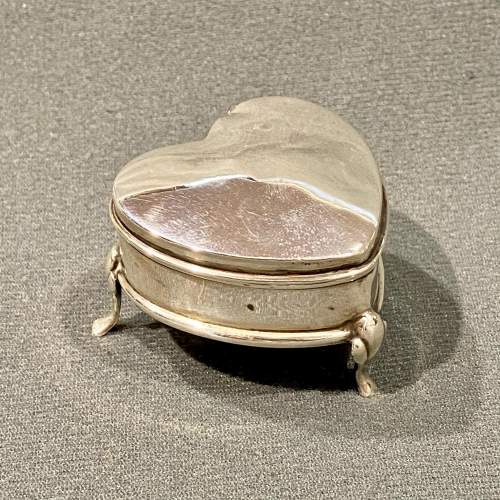 Early 20th Century Heart Shaped Silver Trinket Box image-1