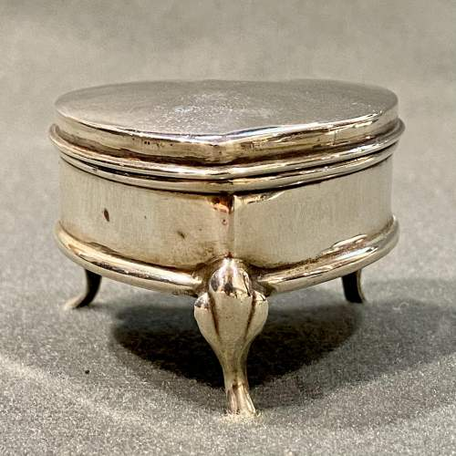 Early 20th Century Heart Shaped Silver Trinket Box image-4