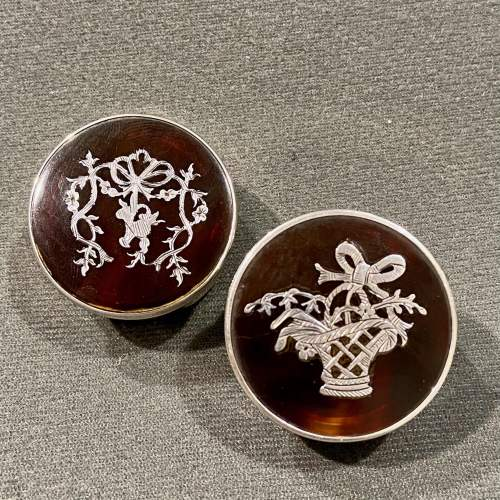 Edwardian Silver and Tortoiseshell Pair of Pill Pots image-2