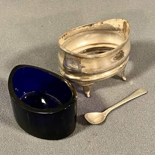Georgian Silver Salt with Blue Glass Liner image-3