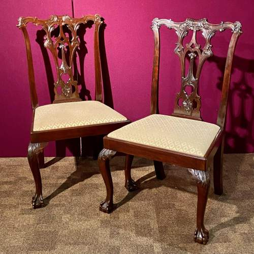 Harlequin Set of Sixteen Chippendale Style Mahogany Dining Chairs image-3
