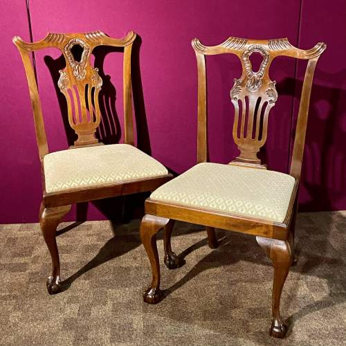 Harlequin Set of Sixteen Chippendale Style Mahogany Dining Chairs image-6