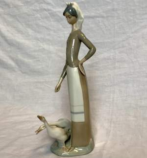 Lladro Ceramic Figurine of Girl With Two Geese