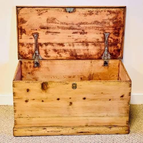 Rustic Victorian Pine Blanket Box image-2