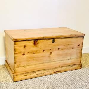 Rustic Victorian Pine Blanket Box