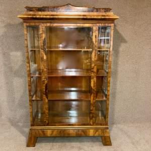Early 20th Century Figured Walnut Biedermeier Style Cabinet