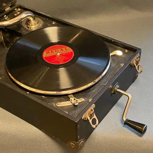 20th Century Mayfair Deluxe Model Portable Gramophone image-2