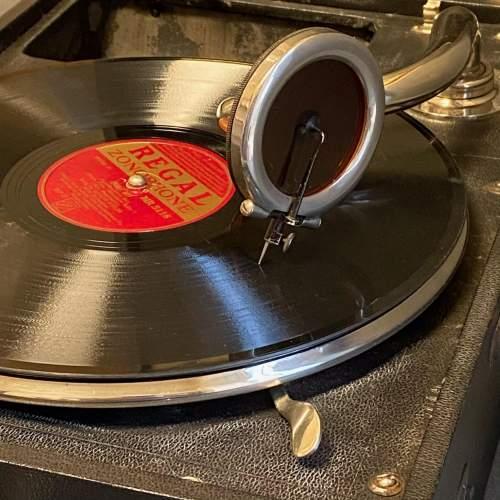20th Century Mayfair Deluxe Model Portable Gramophone image-3
