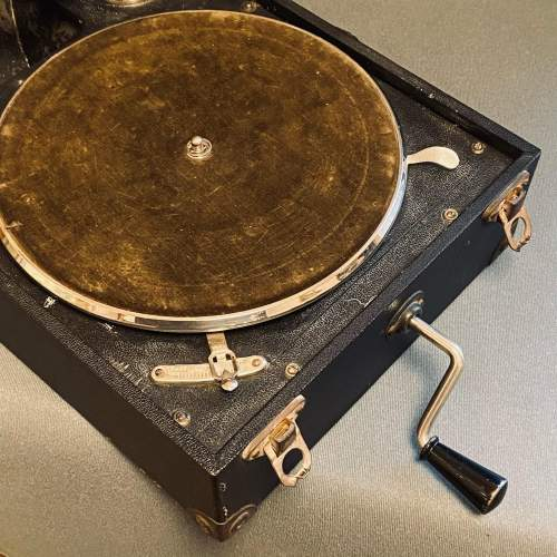 20th Century Mayfair Deluxe Model Portable Gramophone image-4