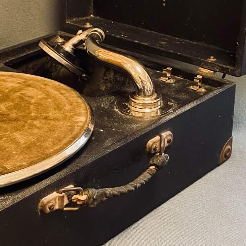 20th Century Mayfair Deluxe Model Portable Gramophone image-6