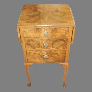Early 20th Century Queen Anne Style Burr Walnut Bedside Cabinet