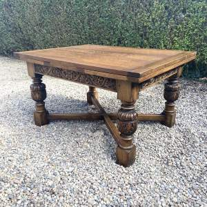 Lovely Quality Solid Oak Draw Leaf Extending Dining Table