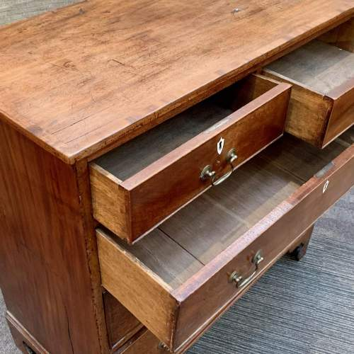 Georgian Chest Of Drawers image-3
