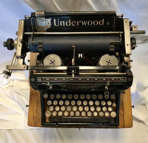 Underwood Model No 5 Typewriter Made in America 1916 S-No 8784070 image-2