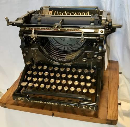 Underwood Model No 5 Typewriter Made in America 1916 S-No 8784070 image-5