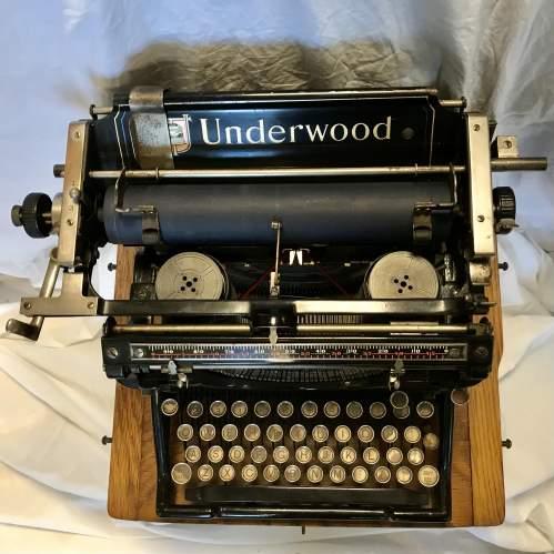 Underwood Model No 5 Typewriter Made in America 1916 S-No 8784070 image-6