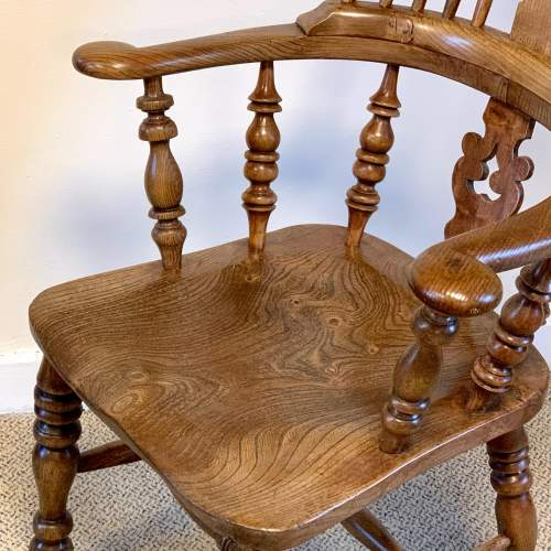 Near Pair of Victorian High Back Windsor Chairs image-6