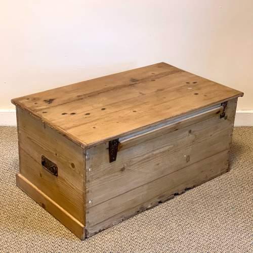 Large Victorian Pine Blanket Box image-4