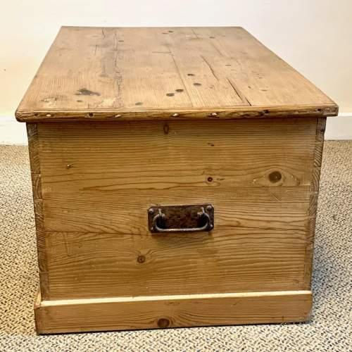 Large Victorian Pine Blanket Box image-5