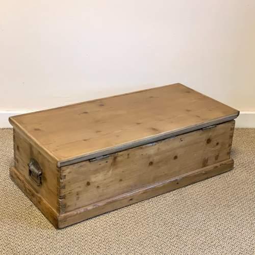 Low Victorian Pine Blanket Box image-5