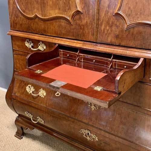 Large 18th Century Dutch Plum Pudding Mahogany Linen Press image-3