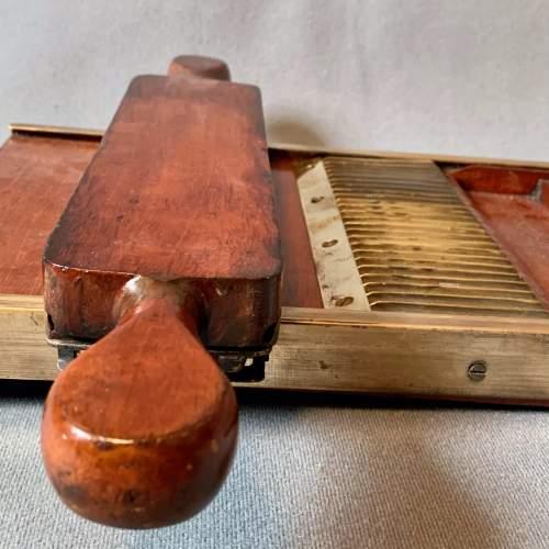 Victorian Pill Tray image-6