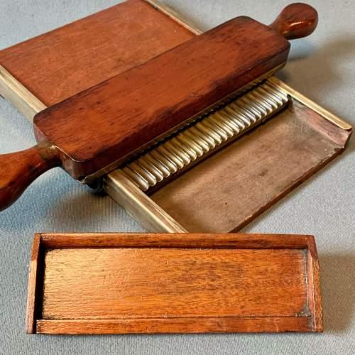 Victorian Pill Tray image-4