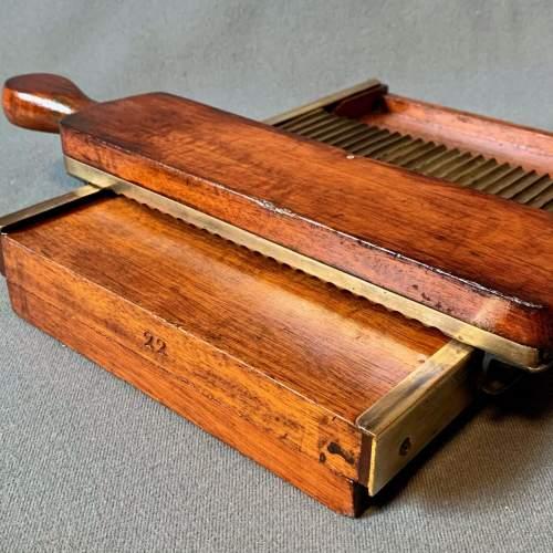 Victorian Pill Tray image-5