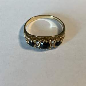 9ct Gold Vintage Sapphire and Diamond Ring