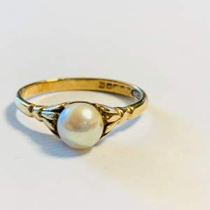 Vintage 9ct Gold Cultured Pearl Ring