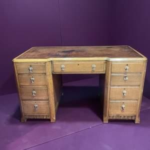 Early 20th Century Oak Kneehole Desk
