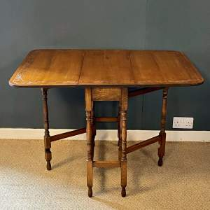 1920s Oak Gate Leg Drop Leaf Table