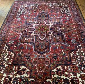 Superb Quality Hand Knotted Persian Rug Heriz Central Medallion