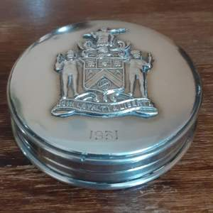 George V Sterling Silver Powder Case with Raised Coat of Arms
