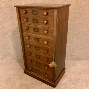 Good Quality 19th Century Mahogany 8 Drawer Wellington Chest
